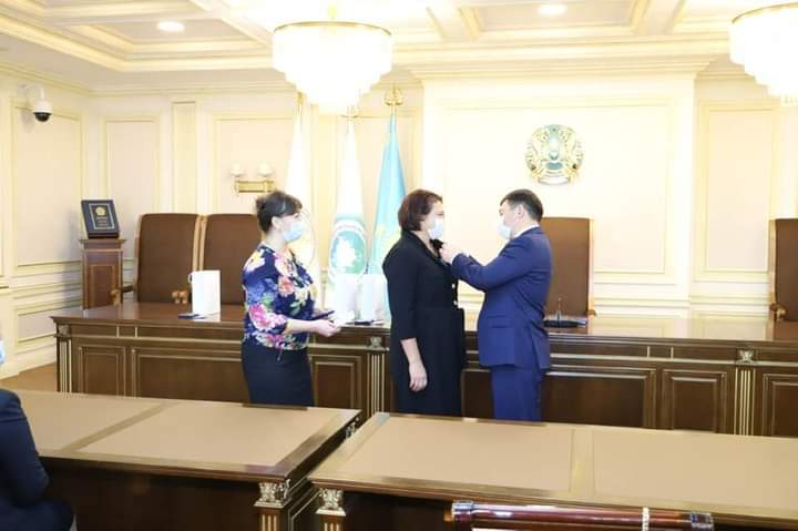 Professor of the Department of National and International Law, Doctor of Law, Sman Aisana Smanovna was awarded an honorary medal